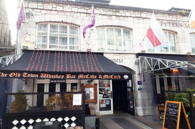 Irish Whiskey Magazine - Whiskey Bars - Old Town Whiskey Bar 4